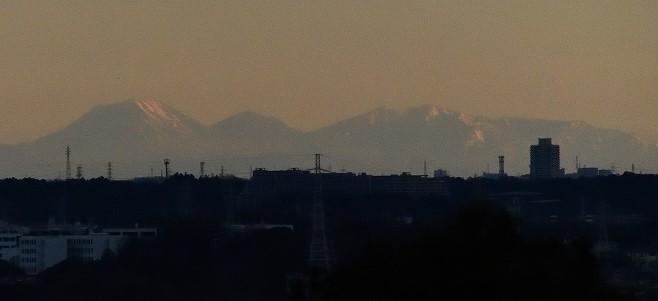 令和元年元旦、夫婦桜左斜め上から男体山が見えた!_c0014967_18203642.jpg
