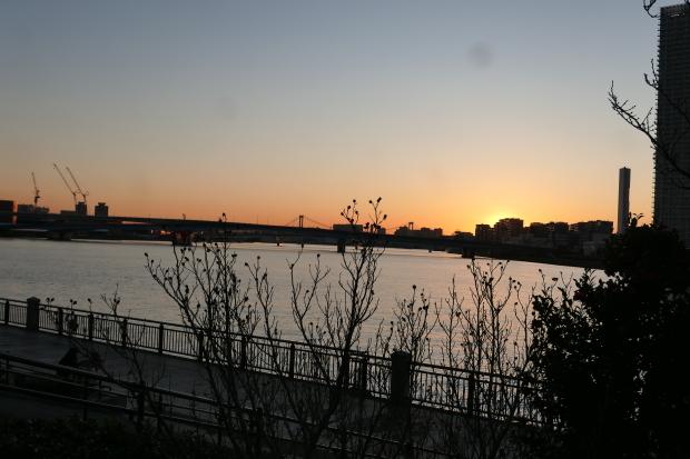 日の出と日の入り_d0193569_08273398.jpg
