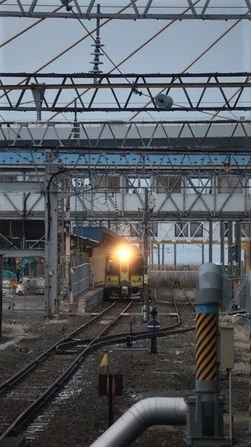 青森駅は還暦を迎えました。そして、大改装中です。青い森鉄道と雪景色、雪の中を激走する貨物列車とモーリーくん_d0181492_23452983.jpg