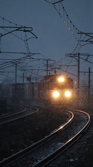 青森駅は還暦を迎えました。そして、大改装中です。青い森鉄道と雪景色、雪の中を激走する貨物列車とモーリーくん_d0181492_23463067.jpg