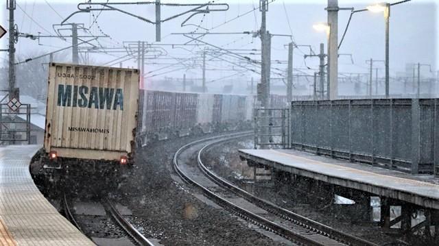 青森駅は還暦を迎えました。そして、大改装中です。青い森鉄道と雪景色、雪の中を激走する貨物列車とモーリーくん_d0181492_23482987.jpg