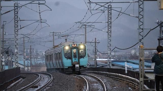 青い森鉄道に可愛い電車が登場「11匹のねこちゃん」列車は可愛過ぎます。冠雪の「岩木山」_d0181492_23525984.jpg