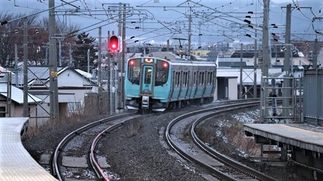 青い森鉄道に可愛い電車が登場「11匹のねこちゃん」列車は可愛過ぎます。冠雪の「岩木山」_d0181492_23542215.jpg
