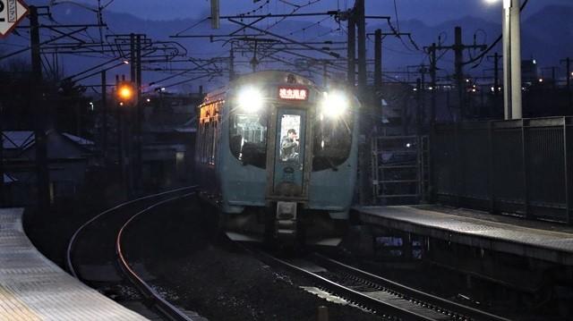 青い森鉄道に可愛い電車が登場「11匹のねこちゃん」列車は可愛過ぎます。冠雪の「岩木山」_d0181492_23543063.jpg