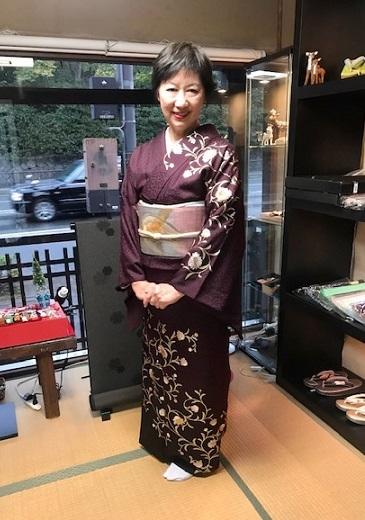 着物でパーティのお客様・和田光正金彩友禅訪問着。_f0181251_16392137.jpg