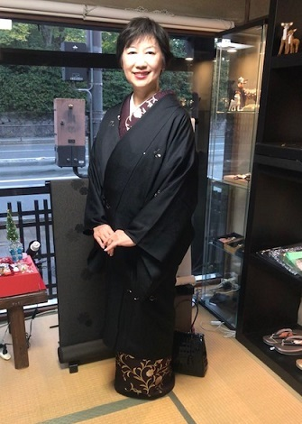 着物でパーティのお客様・和田光正金彩友禅訪問着。_f0181251_16503597.jpg