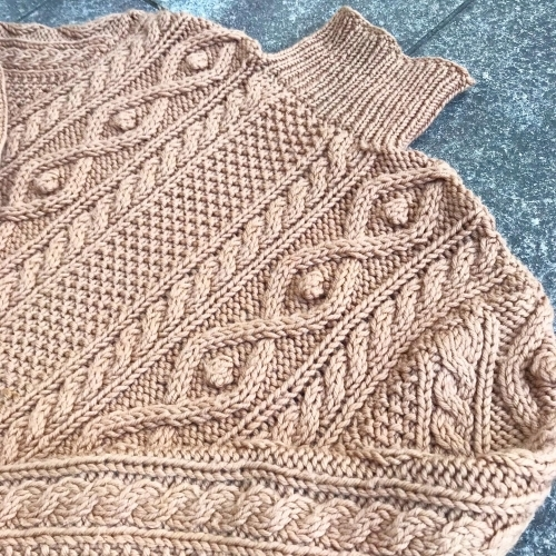 Hand Knitting Cable Sweater_a0182112_12270694.jpg