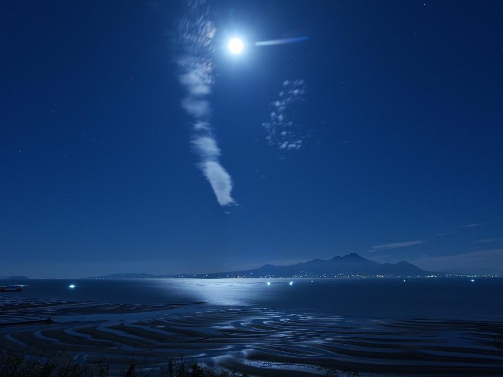 月光雲遊図_f0050534_08444269.jpg