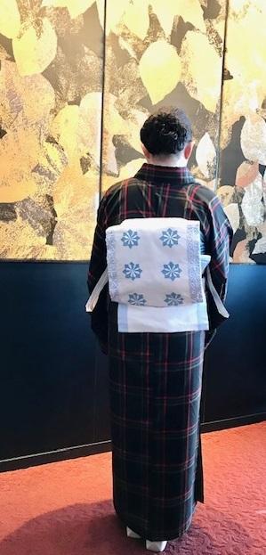 クリスマスランチ会のお客様・大島紬に夢訪庵手織の帯。_f0181251_01293068.jpg