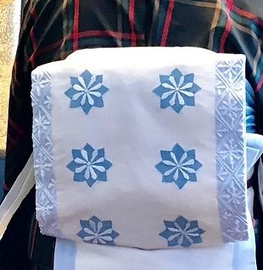 クリスマスランチ会のお客様・大島紬に夢訪庵手織の帯。_f0181251_01302487.jpg