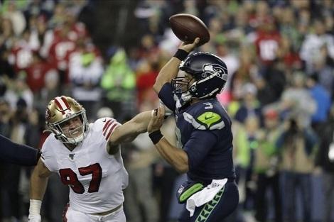エンゼルス捕手を補強、NFLもプレイオフ_d0183174_09332157.jpg