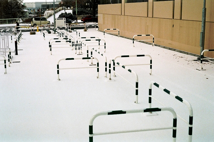 大晦日の西日と元日の駐輪場とレチナの再組込み練習_c0182775_15164714.jpg