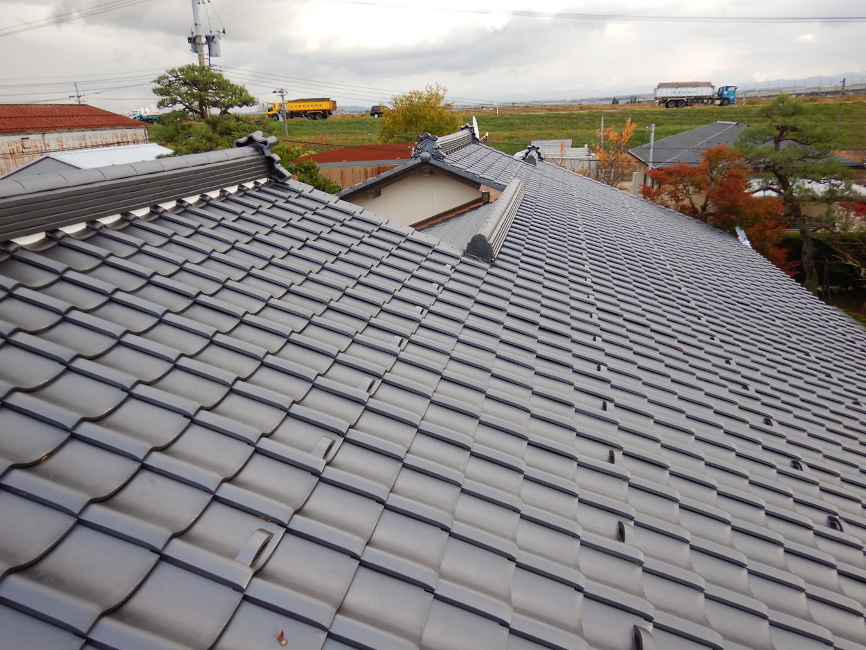 ■瓦屋根改修完了■_e0188083_19324602.jpg
