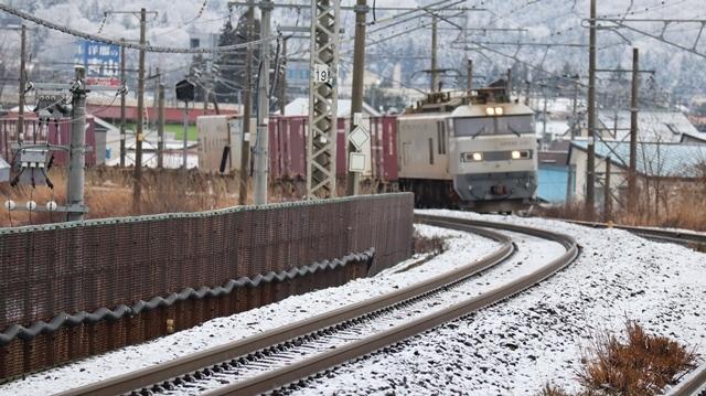 青森観光の魅力、カメラを持って観光、鉄道写真も良いね、青い森鉄道の駅舎の魅力・新しい車両がデビュー_d0181492_00292881.jpg