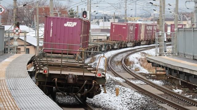 青森観光の魅力、カメラを持って観光、鉄道写真も良いね、青い森鉄道の駅舎の魅力・新しい車両がデビュー_d0181492_00304137.jpg