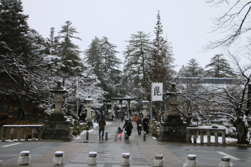 上杉神社&松岬神社で参拝_c0075701_11342621.jpg