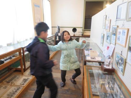 重文本館内巡回&ライトアップ投光器雪囲いボックスの除雪_c0075701_17124496.jpg