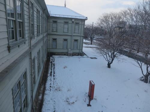 重文本館内巡回&ライトアップ投光器雪囲いボックスの除雪_c0075701_17140657.jpg