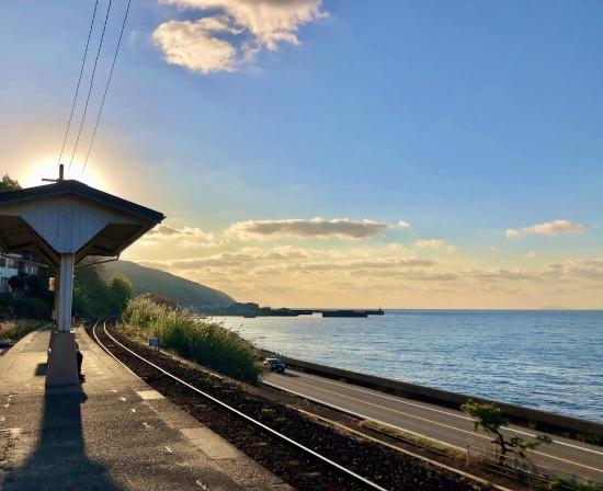 予讃線と下灘駅で初日の入り_f0197215_11201764.jpg