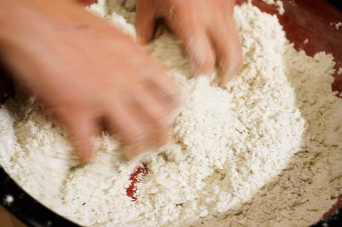 ■【大晦日②娘婿殿の鮮やかな手打ち蕎麦作り/私はけんちん汁担当で^^】_b0033423_00542327.jpg