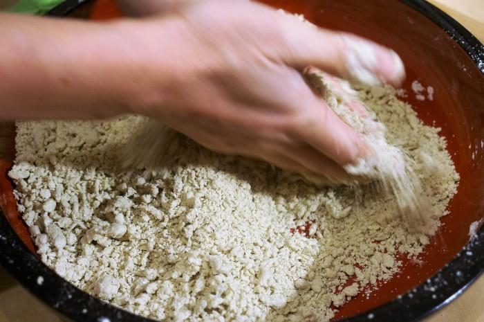 ■【大晦日②娘婿殿の鮮やかな手打ち蕎麦作り/私はけんちん汁担当で^^】_b0033423_00571710.jpg