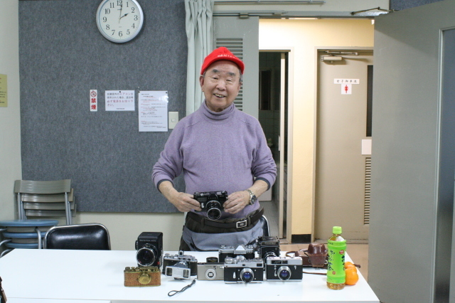 第22回 好きやねん大阪カメラ倶楽部 例会報告 今月のテーマ 手作りカメラ、修理教室、急遽提案ゲルツ、ツァイス祭り_d0138130_14511505.jpg