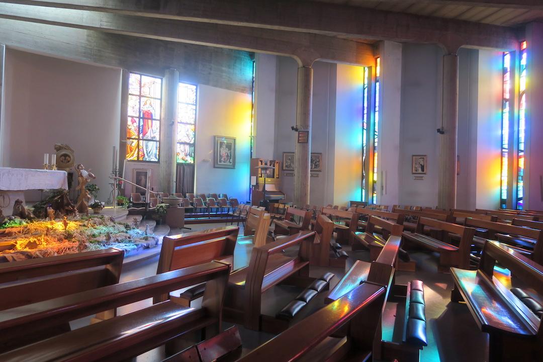 虹色の光きれいなプレゼーペ、オルヴィエート_f0234936_914629.jpg