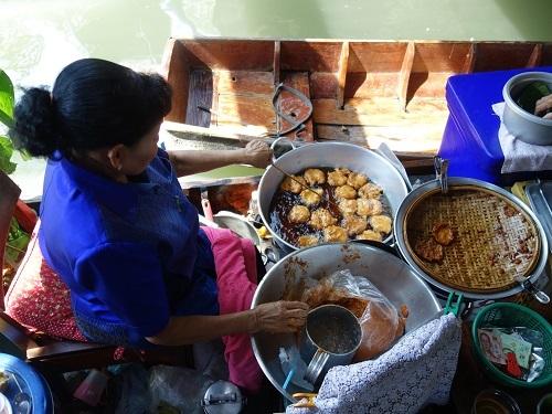 クローンラットマヨム水上マーケットで舟ソバ食べて満足のランチ_c0030645_21512497.jpg