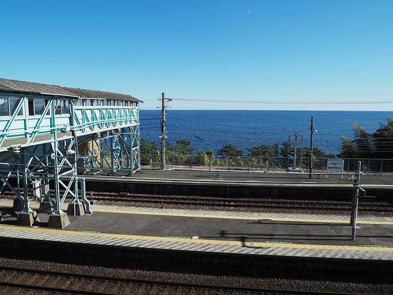 海の見える駅 根府川駅_a0003650_22463046.jpg