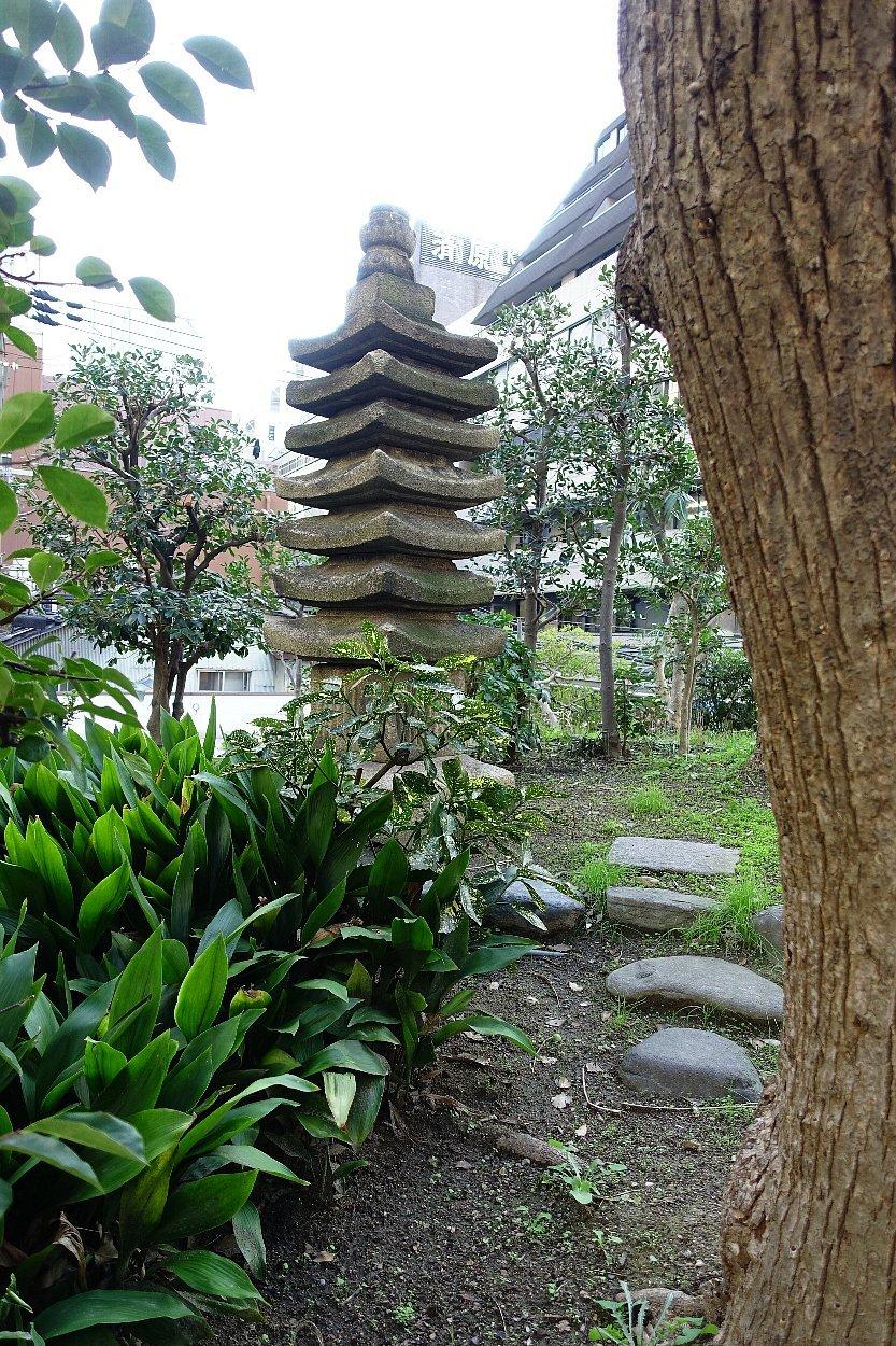 南御堂庭園 獅子吼園_c0112559_08513504.jpg