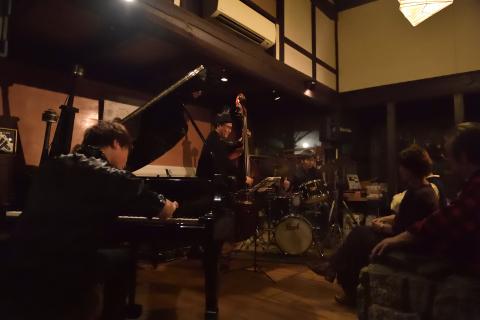Vol.228 井上陽介トリオ ・・・ 10月27日(日)    -live photos-_b0365364_18275879.jpg