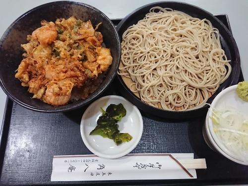 角八庵で、かき揚げ丼ともり蕎麦のセット!_c0100865_22195053.jpg