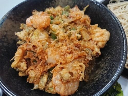 角八庵で、かき揚げ丼ともり蕎麦のセット!_c0100865_22201572.jpg