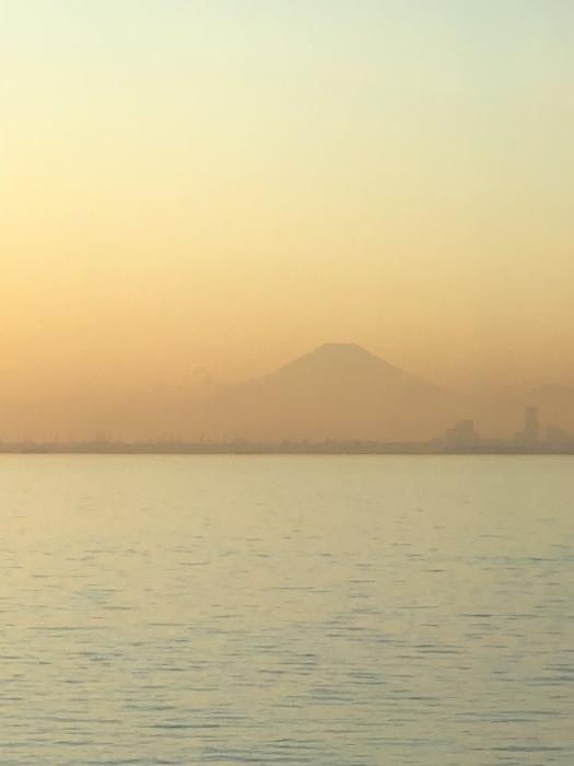太陽と太陽が沈むトキ 富士山_d0105967_23470472.jpeg