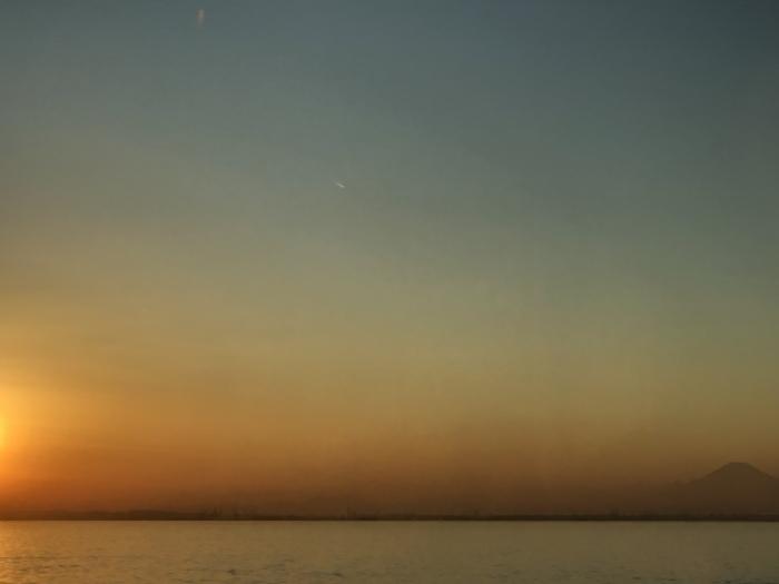 太陽と太陽が沈むトキ 富士山_d0105967_23474641.jpeg