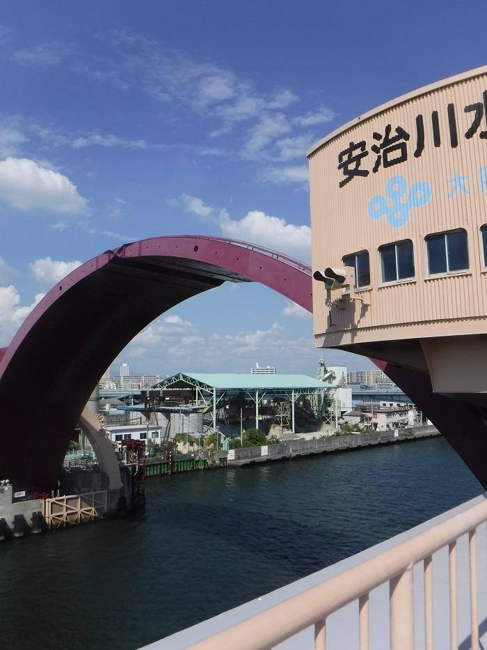 ◆安治川アーチ水門 ~水の都の唯一無二の水門♪~ _f0238779_15091303.jpg