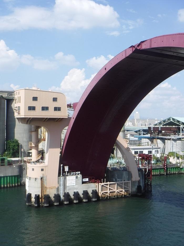◆安治川アーチ水門 ~水の都の唯一無二の水門♪~ _f0238779_15092571.jpg