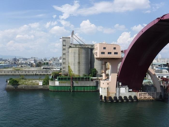 ◆安治川アーチ水門 ~水の都の唯一無二の水門♪~ _f0238779_15093367.jpg