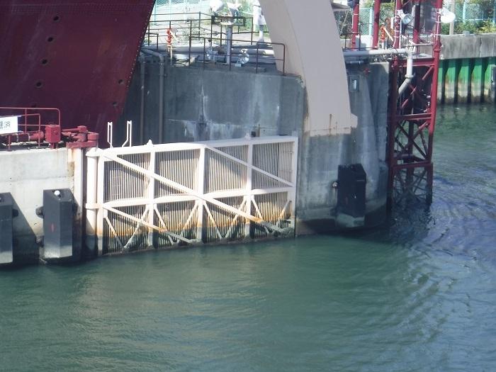 ◆安治川アーチ水門 ~水の都の唯一無二の水門♪~ _f0238779_15100742.jpg
