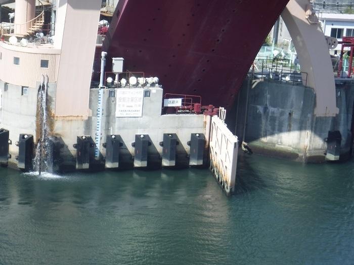 ◆安治川アーチ水門 ~水の都の唯一無二の水門♪~ _f0238779_15110169.jpg