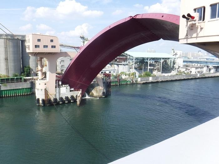 ◆安治川アーチ水門 ~水の都の唯一無二の水門♪~ _f0238779_15114006.jpg