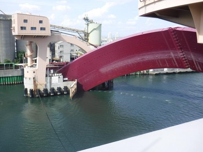 ◆安治川アーチ水門 ~水の都の唯一無二の水門♪~ _f0238779_15123049.jpg