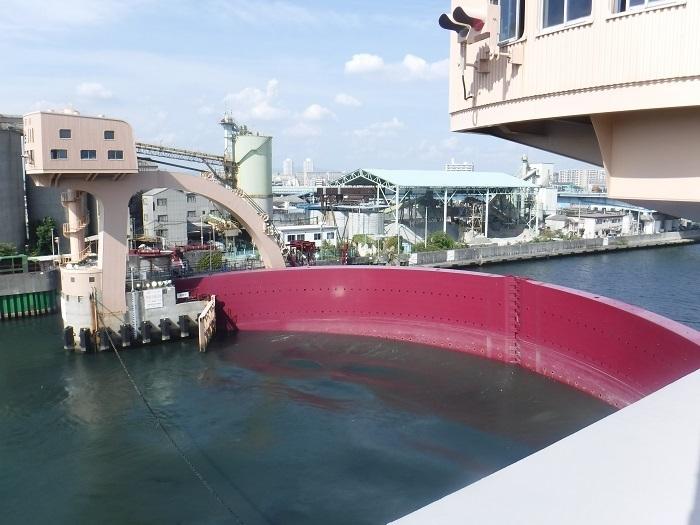 ◆安治川アーチ水門 ~水の都の唯一無二の水門♪~ _f0238779_15125305.jpg