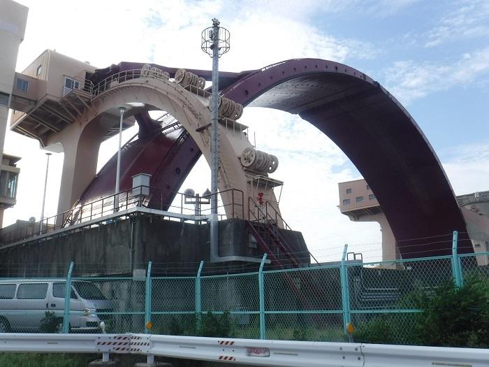 ◆安治川アーチ水門 ~水の都の唯一無二の水門♪~ _f0238779_15143461.jpg