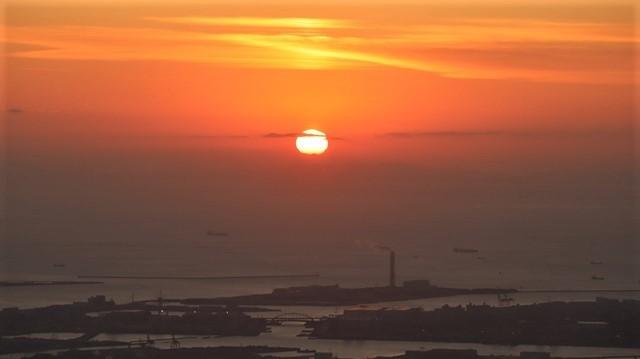 謹賀新年と富士山の美しい姿、大阪城と夕日は萌える様な美しさ・・・・・大阪城、夕日、富士山のある情景_d0181492_17403907.jpg