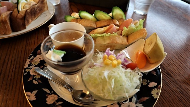 高知城前に素敵な喫茶店、高知県立歴史資料管内にある素敵な喫茶店イストワール、喫茶店イストワール_d0181492_23333226.jpg