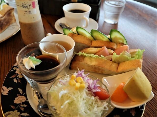 高知城前に素敵な喫茶店、高知県立歴史資料管内にある素敵な喫茶店イストワール、喫茶店イストワール_d0181492_23335764.jpg