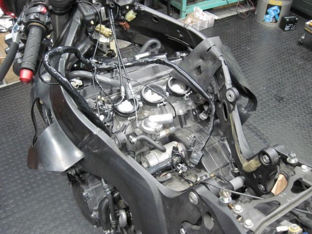 CBR1000RRのエンジン脱着_d0368592_17483517.jpg