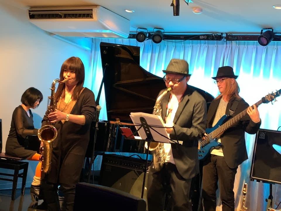 Jazzlive Cominジャズライブカミン 広島 本日1月6日のライブ_b0115606_11012721.jpeg