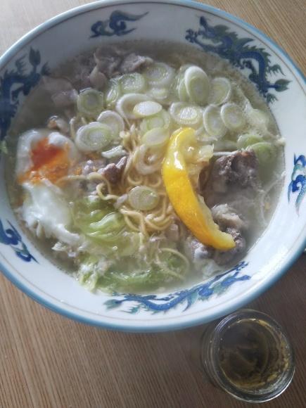 柚子塩ラーメンとサーロインステーキ_f0316507_10245847.jpg